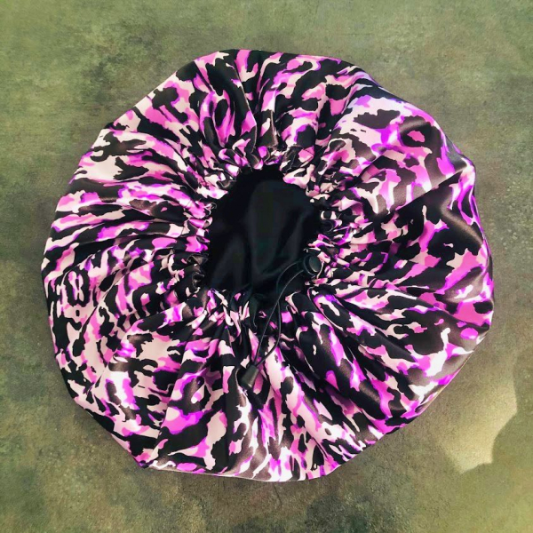 Bonnet en satin de nuit léopard violet kalavy