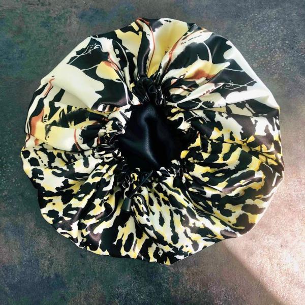 Bonnet en satin léopard jaune kalavy